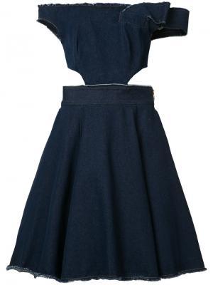 Платье с открытыми плечами и вырезными деталями Natasha Zinko. Цвет: синий