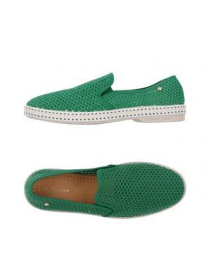 Низкие кеды и кроссовки RIVIERAS. Цвет: зеленый