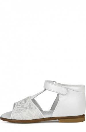 Кожаные сандалии с ажурным декором Clarys. Цвет: белый