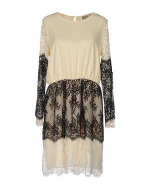 Короткое платье ANIYE BY. Цвет: бежевый