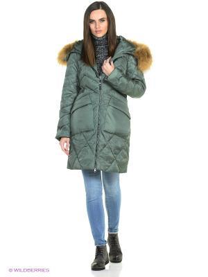 Пальто Snow Guard. Цвет: зеленый