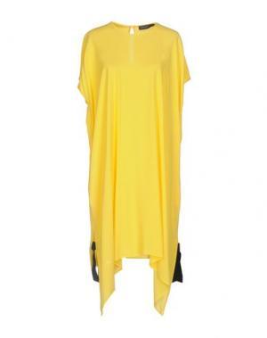 Короткое платье FABRIZIO LENZI. Цвет: желтый