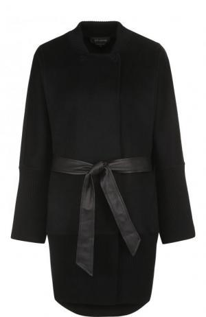 Шерстяное однотонное пальто с поясом St. John. Цвет: черный