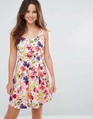 Louche Платье с цветочным принтом Garnet. Цвет: розовый