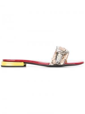 Открытые сандалии с тисненым узором Toga Pulla. Цвет: красный