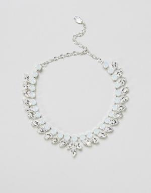 Krystal London Ожерелье с подвесками-листиками и стразами Swarovski. Цвет: серебряный