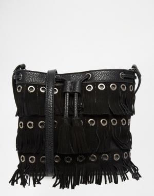 Urban Originals Сумка-мешок с бахромой. Цвет: черный