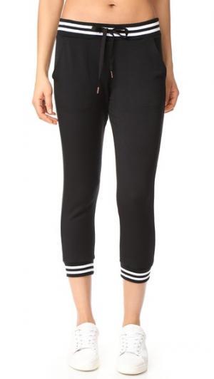 Укороченные спортивные брюки в университетском стиле Beyond Yoga. Цвет: голубой
