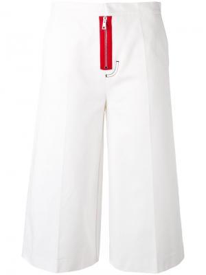 Укороченные брюки Brognano. Цвет: белый