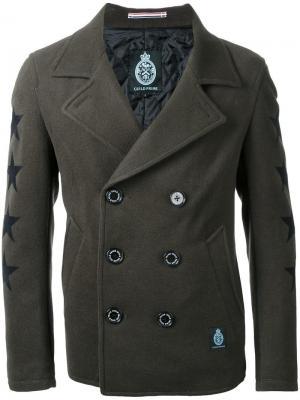 Двубортное пальто со звездами на рукавах Guild Prime. Цвет: зелёный