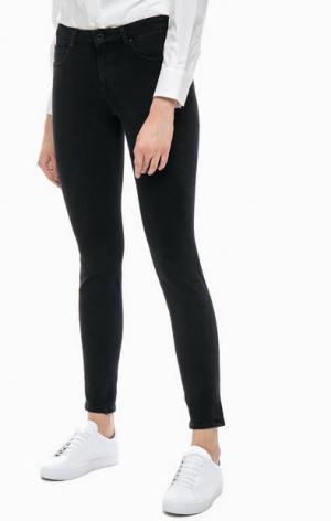 Зауженные джинсы черного цвета Marc O'Polo. Цвет: черный
