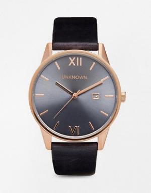 UNKNOWN Часы на синем кожаном ремешке с деталями под розовое золото. Цвет: синий