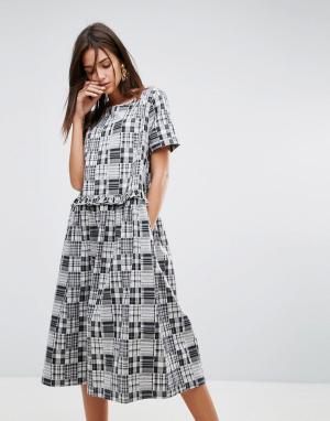 YMC Платье миди с оборками. Цвет: серый
