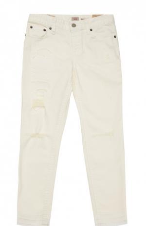 Джинсы из хлопка с потертостями Polo Ralph Lauren. Цвет: белый
