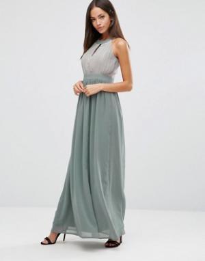 Club L Шифоновое платье макси с вырезом капелькой и складками. Цвет: серый