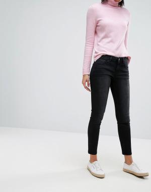 Esprit Зауженные джинсы. Цвет: черный