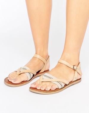 Toms Светло-коричневые кожаные сандалии Lexie. Цвет: рыжий