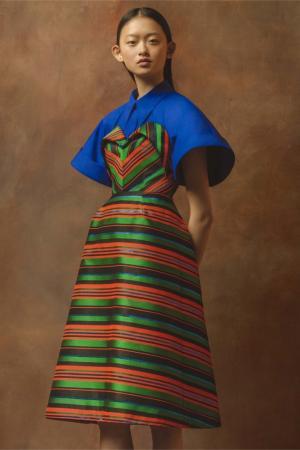 Платье в полоску Delpozo. Цвет: зеленый, коралловый, черный, малиновый, голубой