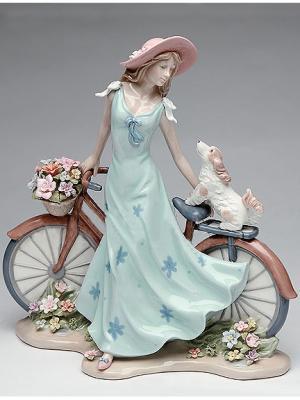 Фигурка Девушка Pavone. Цвет: голубой, коричневый, розовый