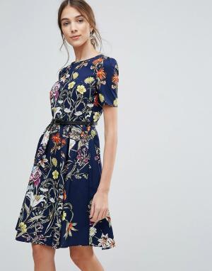 Uttam Boutique Платье с цветочным принтом и поясом. Цвет: темно-синий