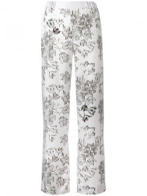 Широкие брюки с цветочным узором Salvatore Ferragamo. Цвет: розовый и фиолетовый
