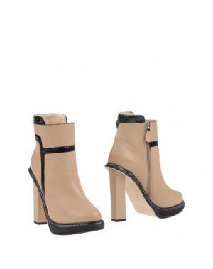 Полусапоги и высокие ботинки CHRISSIE MORRIS. Цвет: бежевый