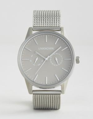 UNKNOWN Серебристые часы с хронографом. Цвет: серебряный