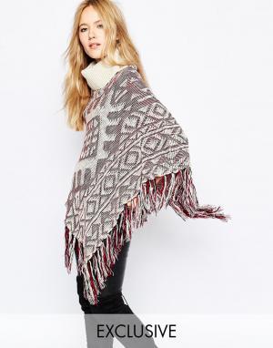 Spiritual Hippie Вязаное пончо с высоким воротом и бахромой. Цвет: коричневый