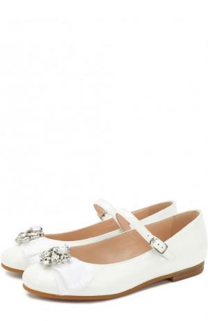 Лаковые туфли с бантом и кристаллами Il Gufo. Цвет: белый