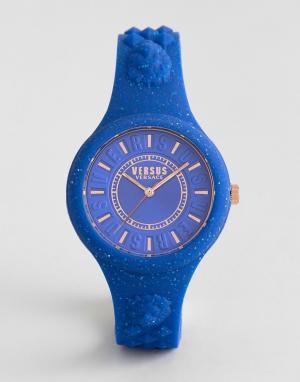 Versus Versace Синие часы с силиконовым ремешком SPOQ19 Fire Island. Цвет: синий