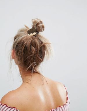 ASOS Резинка для волос с кованой пластиной. Цвет: золотой