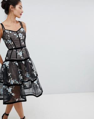 Bronx and Banco Платье миди с цветочной вышивкой. Цвет: черный