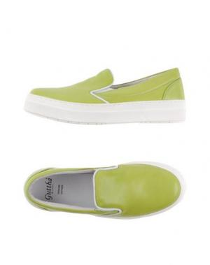 Низкие кеды и кроссовки GUTTHA. Цвет: кислотно-зеленый