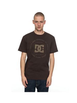 Футболка DC Shoes. Цвет: серо-коричневый, темно-коричневый
