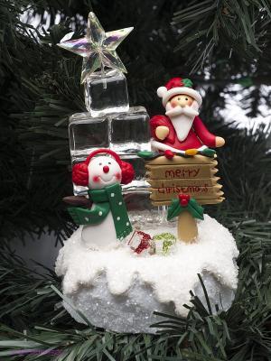 Новогодняя композиция с подсветкой Ледяная ёлка Русские подарки. Цвет: красный, белый, зеленый