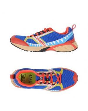 Низкие кеды и кроссовки STRD BY VOLTA FOOTWEAR. Цвет: синий