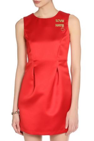Летнее яркое платье с рисунком Love Moschino. Цвет: red