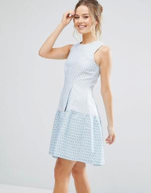 Closet London Короткое приталенное платье в стиле колор блок. Цвет: синий