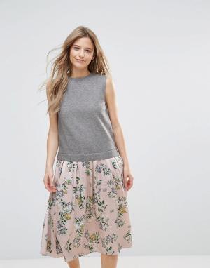The English Factory Платье миди с цветочным принтом. Цвет: мульти