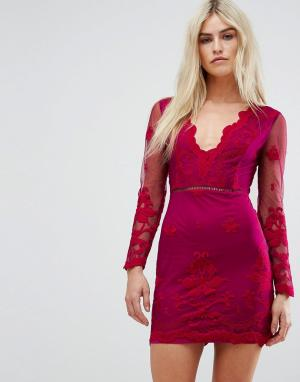 Love Triangle Сетчатое платье мини с глубоким вырезом и вышивкой. Цвет: красный