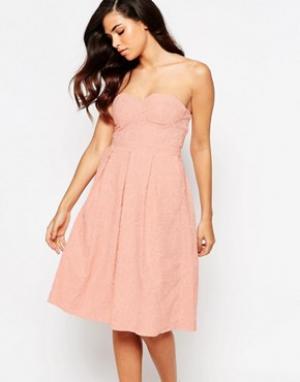 Lashes of London Платье миди для выпускного. Цвет: розовый