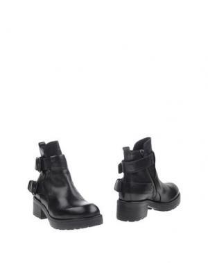 Полусапоги и высокие ботинки JFK. Цвет: черный