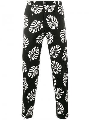 Брюки с принтом пальмовых листьев Dolce & Gabbana. Цвет: чёрный
