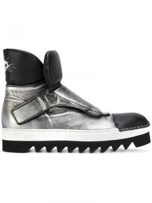 Metallic monk strap boots Rocco P.. Цвет: металлический