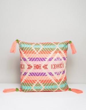 America & Beyond Чехол на подушку с вышивкой и кисточками. Цвет: мульти