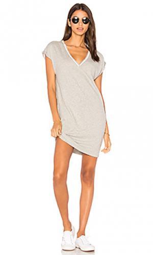 Платье с глубоким v-вырезом и карманом steffi Nation LTD. Цвет: серый