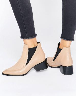Sol Sana Ботинки на каблуке с отделкой под мех пони Rico. Цвет: бежевый