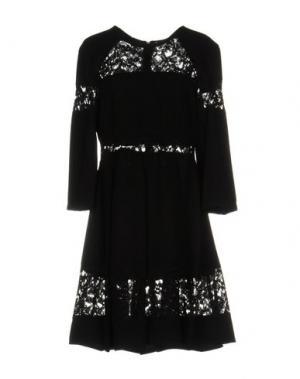 Короткое платье BERNA. Цвет: черный