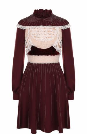 Шелковое мини-платье с кружевными вставками и длинным рукавом Valentino. Цвет: бордовый