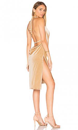 Бархатное мини платье vegas LIONESS. Цвет: беж